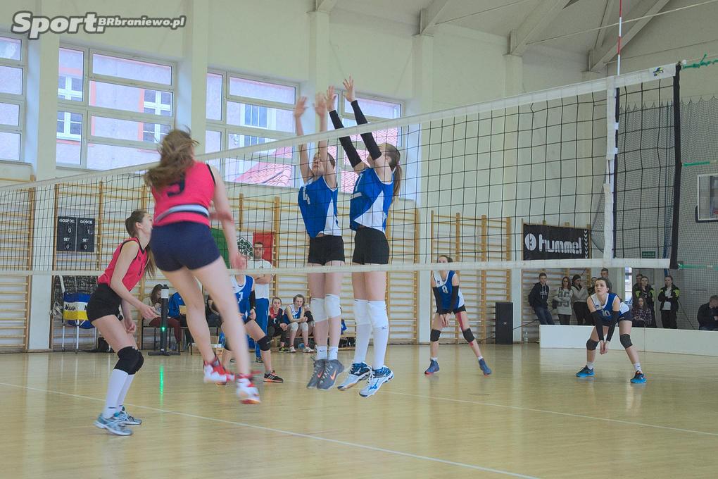 rozegrany w hali braniewskiego LO